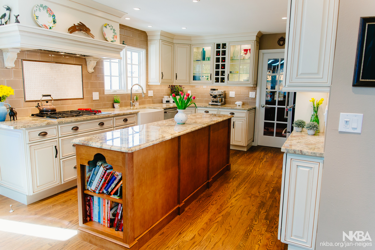 English Country Kitchen   Traditional   Kitchen