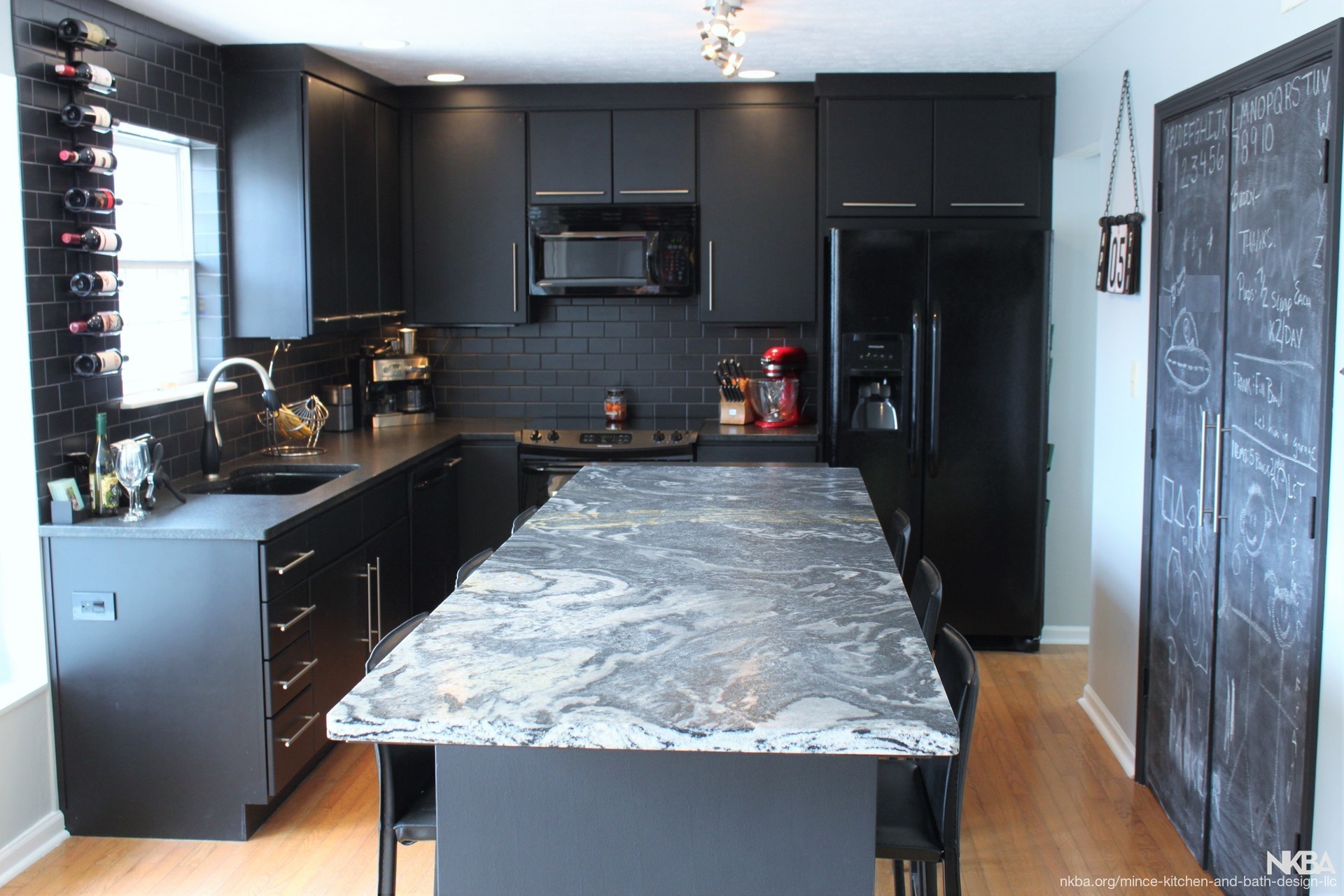 Awe Inspiring Indianapolis Black Kitchen With Style Nkba Download Free Architecture Designs Embacsunscenecom