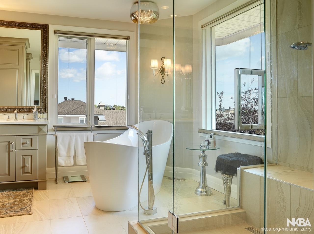 Christie Estates Contemporary Bath