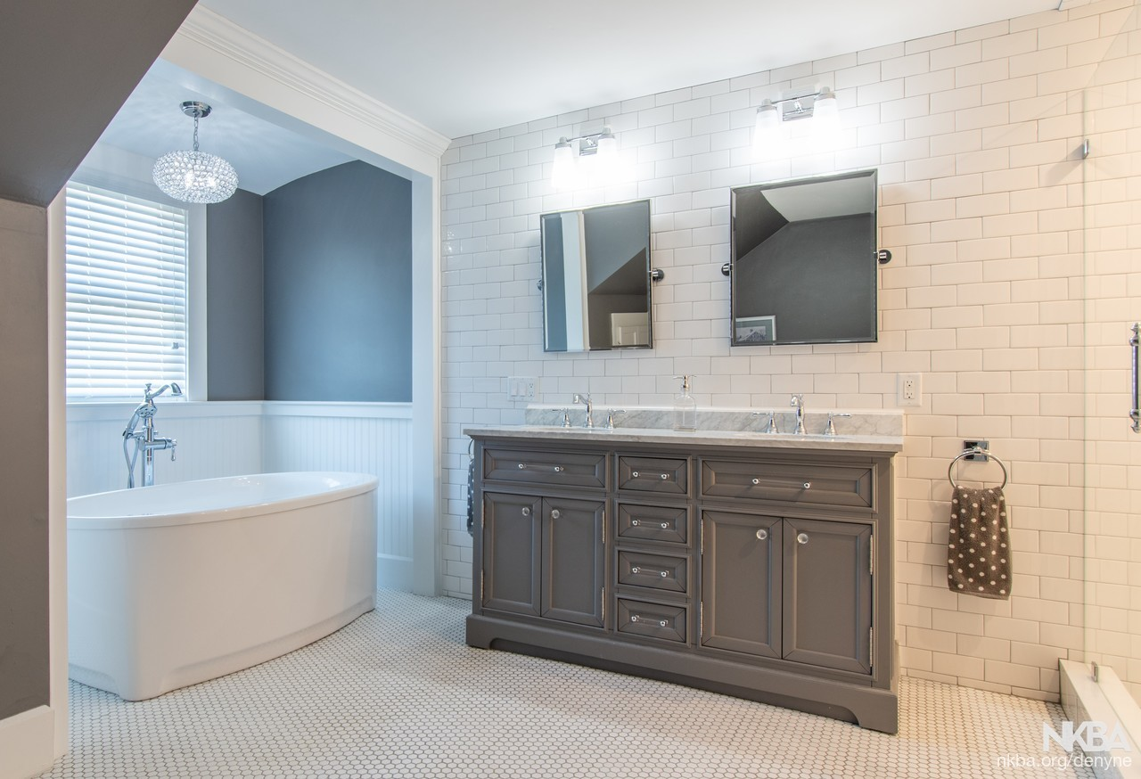 Fantastic Transitional Meets Traditional Master Bath Nkba Download Free Architecture Designs Xaembritishbridgeorg