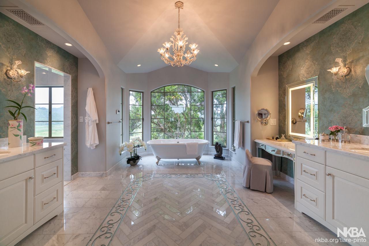 Luxury master bath transitional bath