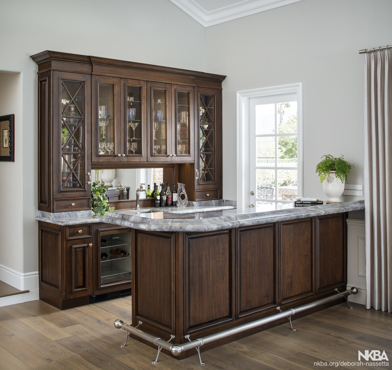 Home Entertainment Bar Traditional Kitchen