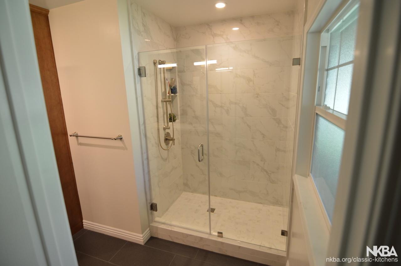 Gelndora Ca Modern Guest Bathroom Remodel Nkba