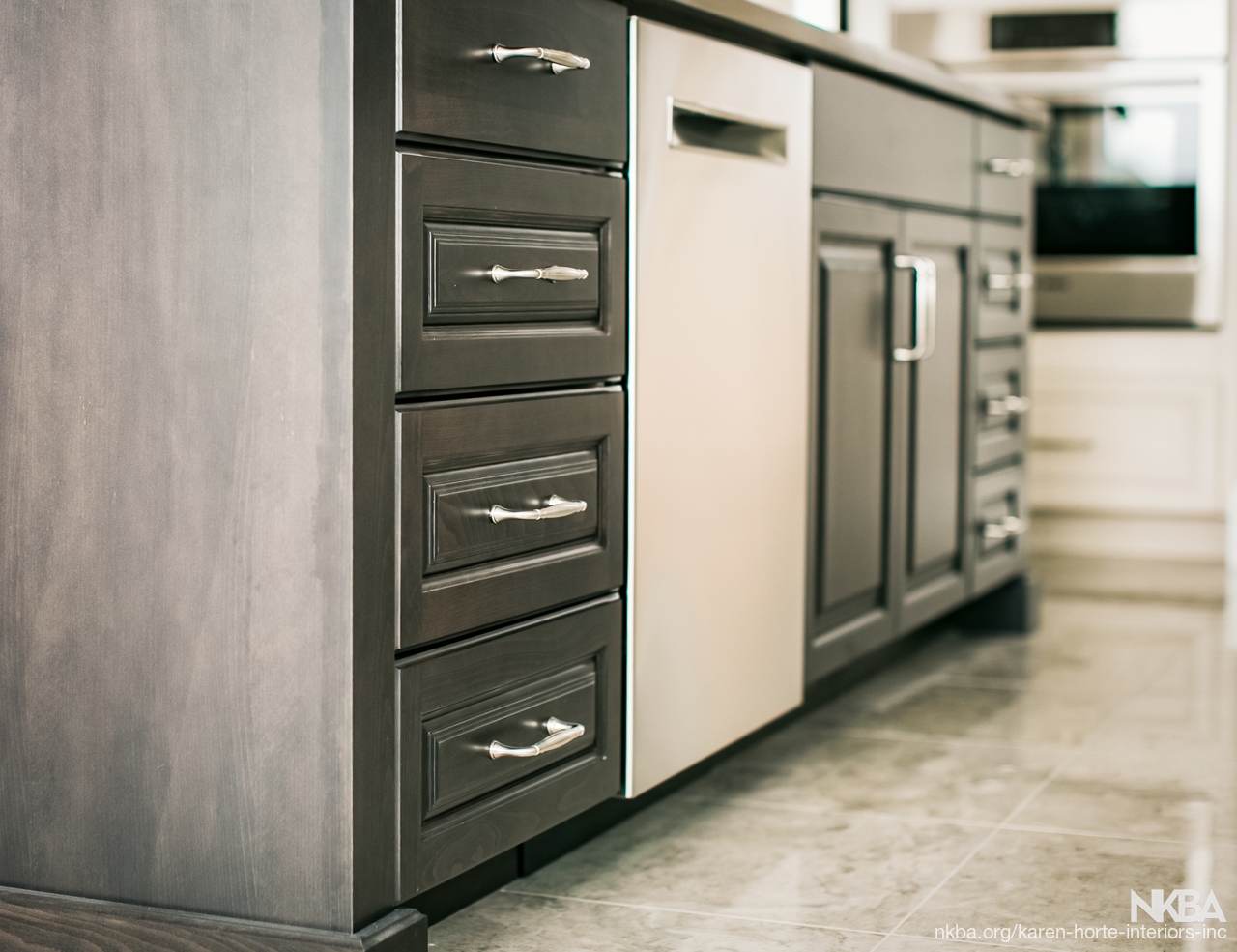 Raised Panel Drawer Fronts on Island - NKBA